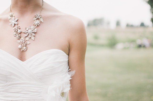 krótkie sukienki ślubne