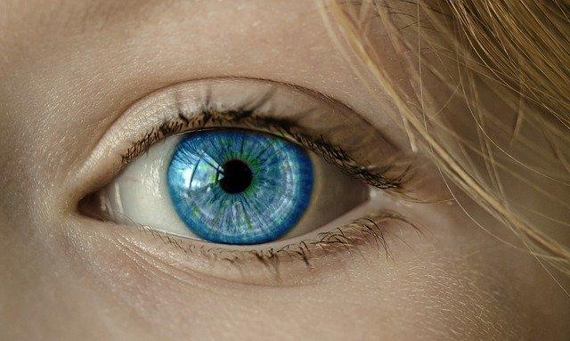 badanie dna oka na czym polega