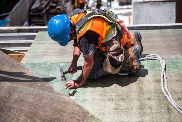 Jak znaleźć odpowiedniego fachowca do prac remontowych?
