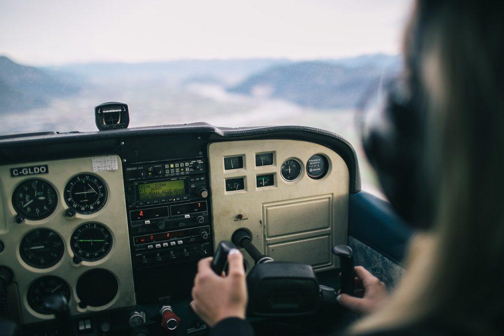 ile zarabia pilot